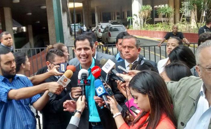 Mesa de la Unidad exigió al CNE cronograma para revocatorio