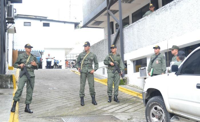 Funcionarios del DAEX se llevaron detenido al escolta del gobernador Capriles durante inspección en Polimiranda