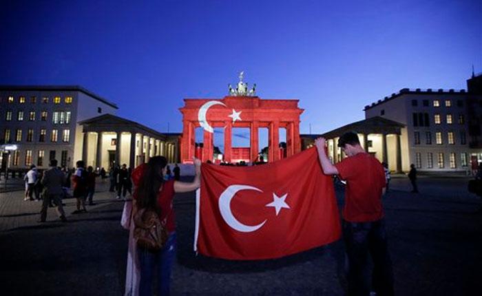 Muertos en ataque al aeropuerto de Estambul ascienden a 43
