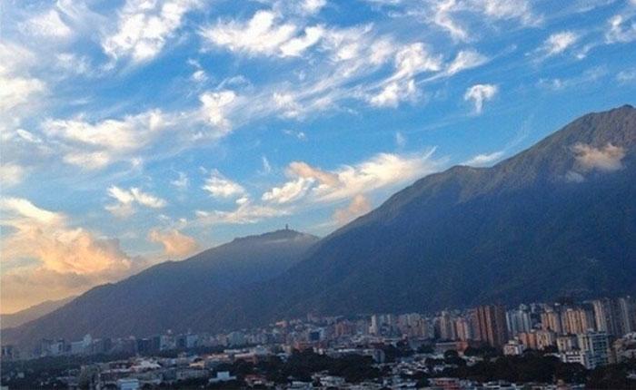 Derechito al cielo, por José Domingo Blanco
