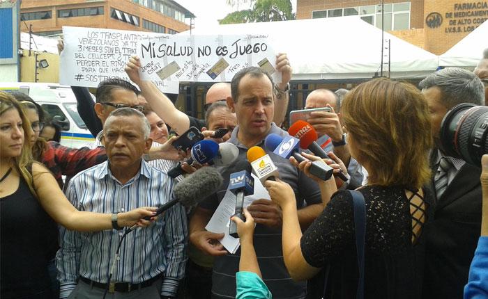 Codevida y trasplantados protestan ante el IVSS por racionamiento de dosis de medicinas