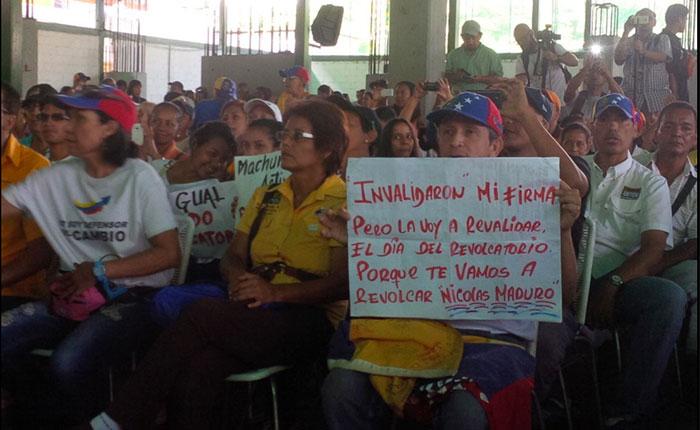 """Capriles convoca a marchar a los """"excluidos"""" por el CNE el jueves #16J en todo el país"""