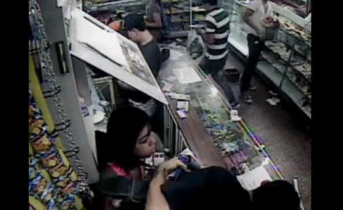 VIDEO El momento cuando saquearon la Panadería Duri de La Urbina