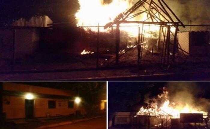 Indígenas Piaroas se enfrentaron a GNB y quemaron comando en San Juan de Manapiare