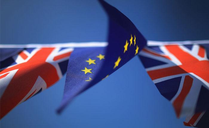Brexit y titubeo, por Luis DE LION