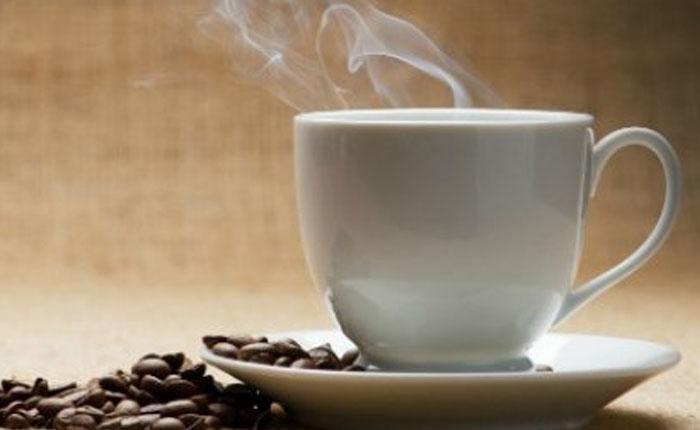 Alerta de la OMS: Ingerir bebidas muy calientes puede provocar cáncer de esófago