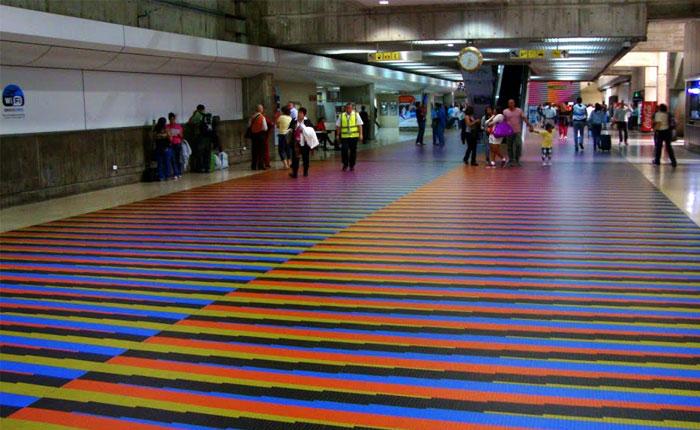 Más de cuatro millones de venezolanos emigraron, por Milos Alcalay