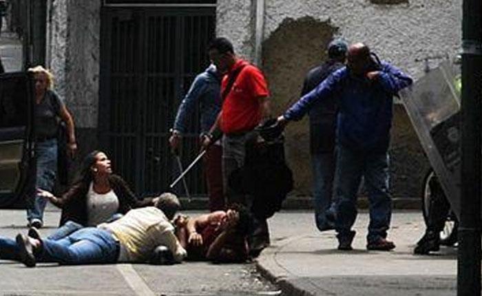El día del periodista en tiempos de lacrimógenas y Guardia Nacional por César Miguel Rondón