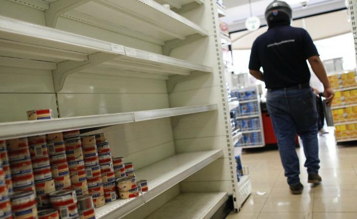 Venezuela: Cortes eléctricos, ausencia del servicio de agua potable y escasez de alimentos y medicinas