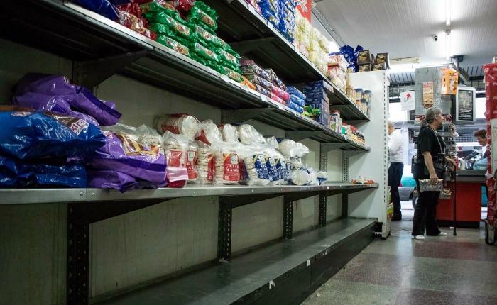 Supermercados en Caracas vuelven a aparente normalidad tras baja de precios