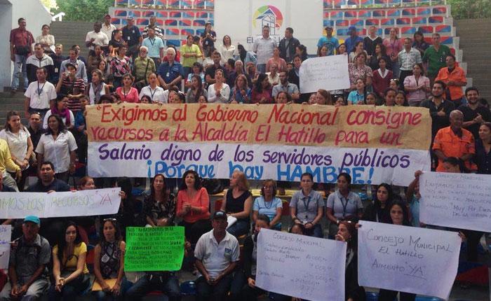 Trabajadores de El Hatillo exigen al gobierno transfiera los recursos para el pago de salarios