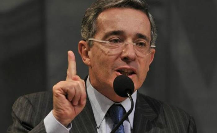 Uribe culpa a Maduro de proteger las FARC y ELN en carta enviada al Congreso de EEUU