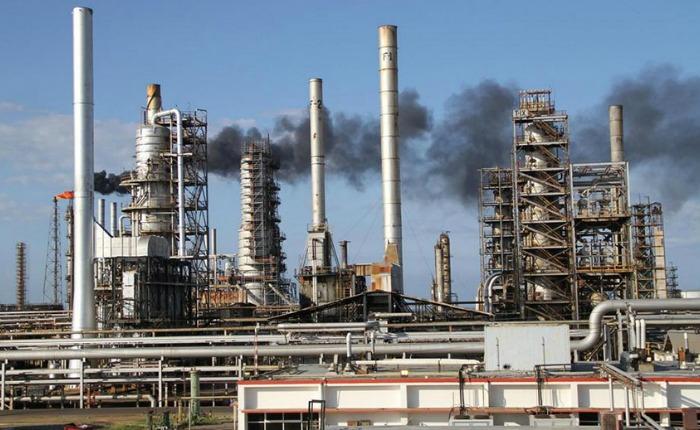 """Sindicato de trabajadores petroleros: Amuay """"prácticamente está parada"""""""