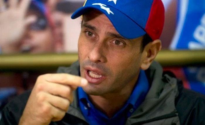 """[VIDEO] Capriles denunció que grupos armados lo retuvieron en aeropuerto de Margarita: """"Maduro me los mandó"""""""