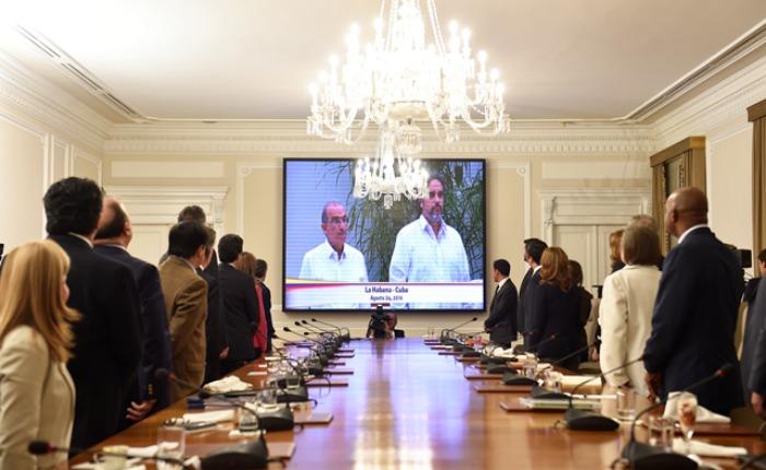 Informe Otálvora: Santos ejecuta pacto con las Farc sin esperar plebiscito