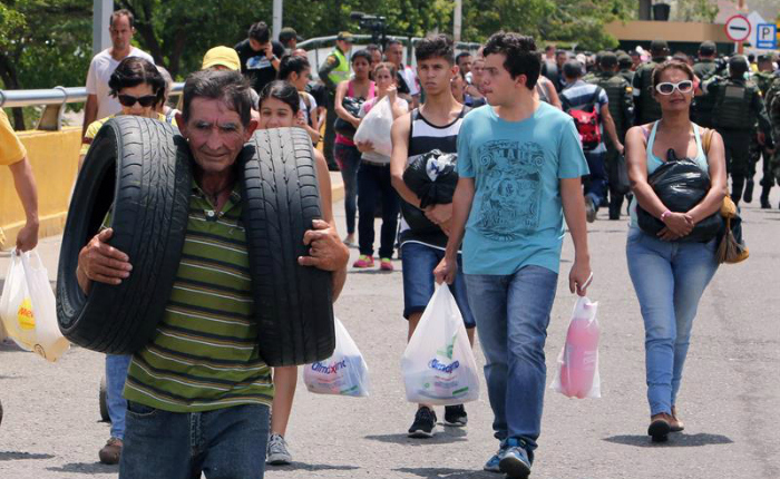 Permiten paso de repuestos para vehículos a Venezuela