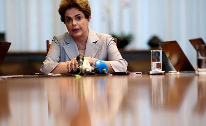 Rousseff: Si Mercosur sanciona a Venezuela también debe hacerlo con Brasil