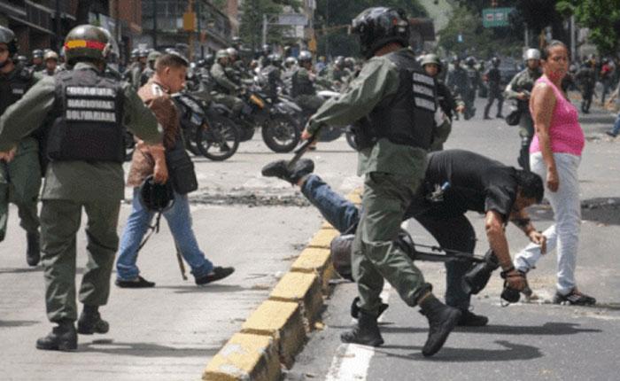 Espacio Público registra aumento de agresiones  a periodistas que cubren protestas por comida y referendo
