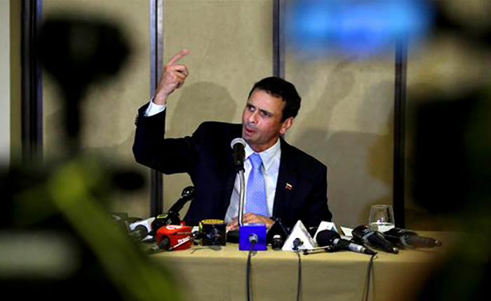 """Contraloría declara """"responsabilidad"""" administrativa de Henrique Capriles"""