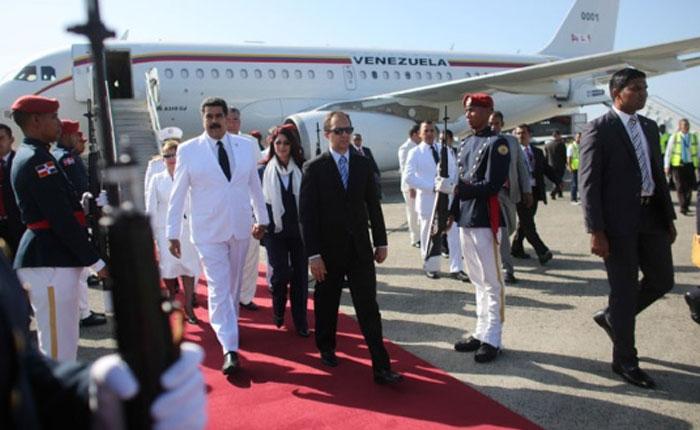 Maduro asistió a la toma de posesión de Danilo Medina en República Dominicana