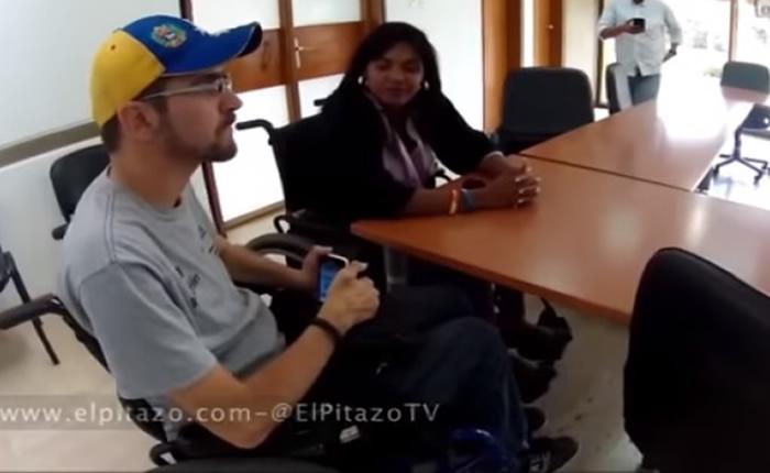 """[VIDEO] Con sus sillas de ruedas viajarán desde Lara para la """"toma de Caracas"""""""