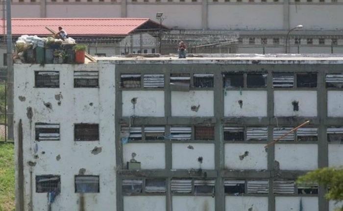 Ataque desde cárcel de Tocorón deja tres Cicpc heridos