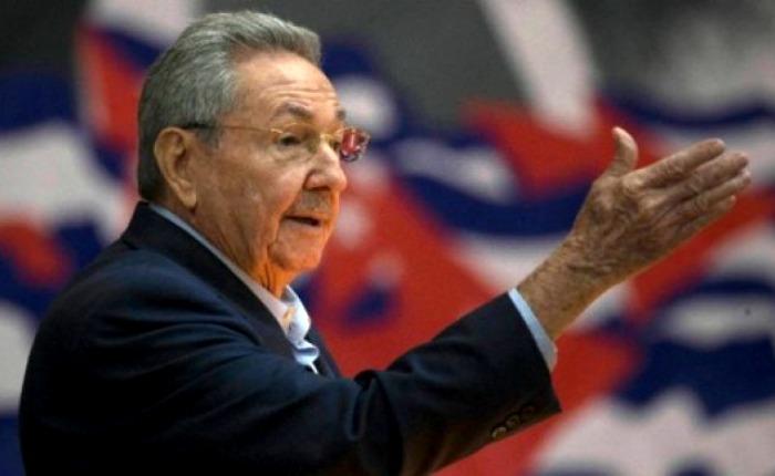 Castro pide petróleo a Rusia por los problemas de suministro con Venezuela
