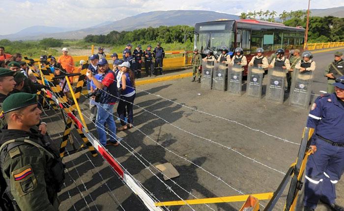 Colombia pide desde este lunes la tarjeta movilidad a venezolanos asentados en frontera
