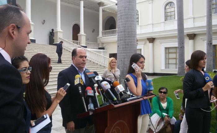 Julio Borges: El Gobierno tiene a los trabajadores y diputados de la Asamblea Nacional sin cobrar su sueldo