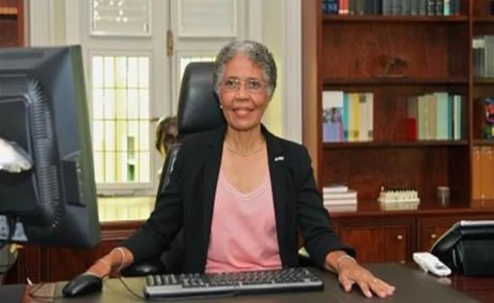 """Gobernadora de Curazao: """"Venezolanos han traído delincuencia y prostitución"""""""