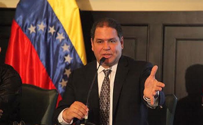 Luis Florido: Gobierno debe atender emergencia migratoria humanitaria de venezolanos en el exterior