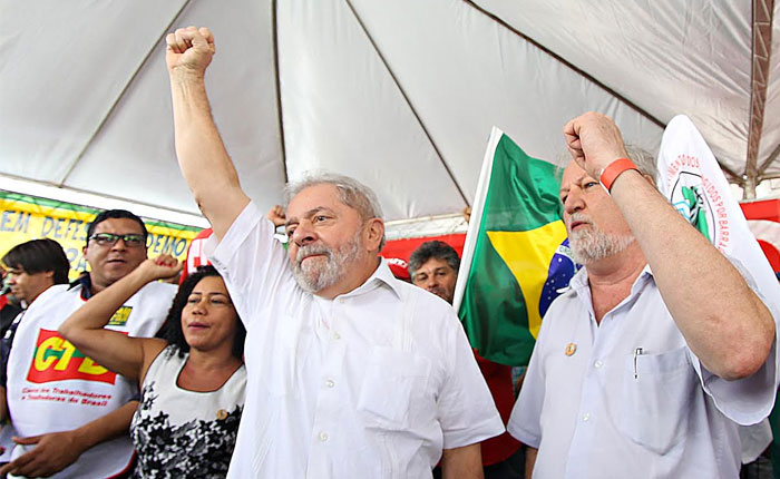 Presentaron cargos contra Lula da Silva y su esposa por corrupción en Petrobras