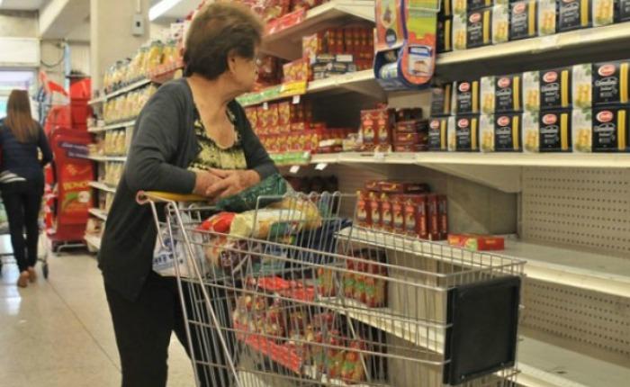 Costo de los alimentos aumentó 658,4% en un año