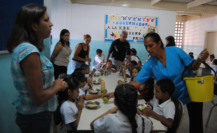 Crónicas del hambre | Los niños que pasaron vacaciones en la escuela para poder comer