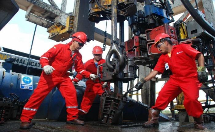 Producción petrolera venezolana cayó otros 216 mil barriles en diciembre