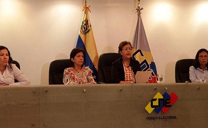 Una de las rectoras del CNE estaría involucrada en caso Odebrecht