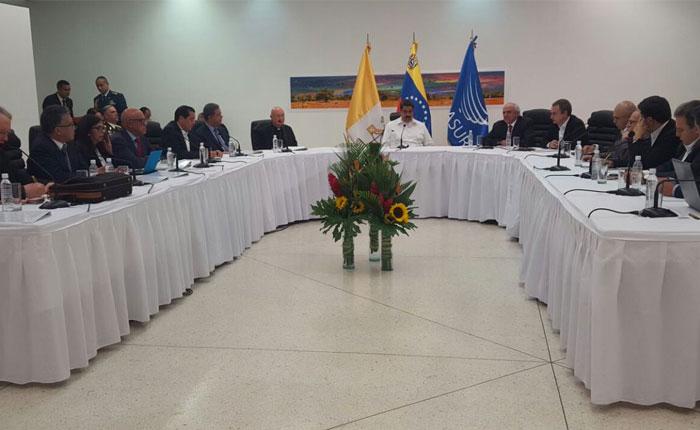 Gobierno y MUD crean 4 mesas inmediatas de trabajo para dialogar