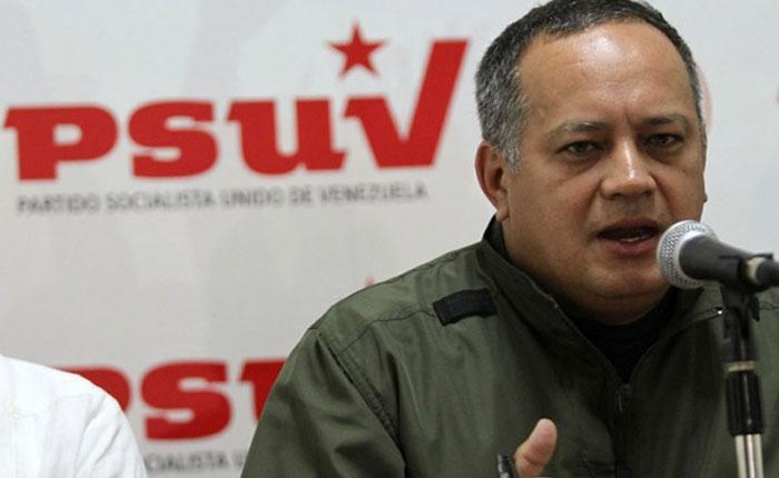 """Diosdado Cabello llama a chavistas a prepararse para """"defender"""" al país ante """"invasión"""""""