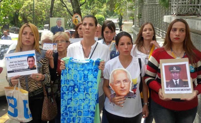 Familiares de presos políticos denuncian en Nunciatura que no hay condiciones para dialogar con el gobierno