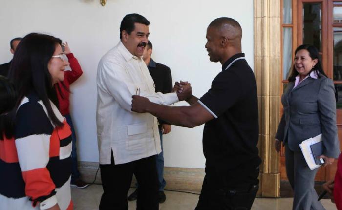 Jamie Foxx y Lukas Daniel Haas se reunieron con Nicolás Maduro