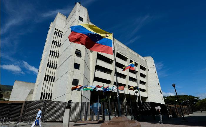 TSJ anuncia cese de inhabilitación política de Enzo Scarano