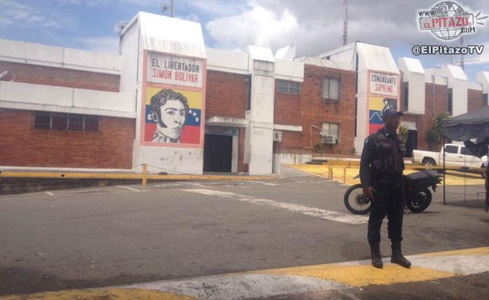 Lanzan bomba lacrimógena en la entrada de calabozos de Policía del Táchira