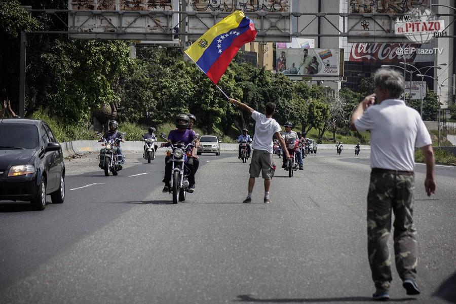 toma-de-venezuela-25