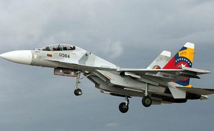 Aeronaves de combate militar habrían obligado a avión de Avianca a salir de Venezuela