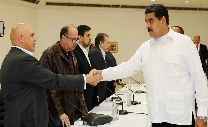 Reuniones de diálogo entre oposición y Gobierno se suspendieron por debate del caso