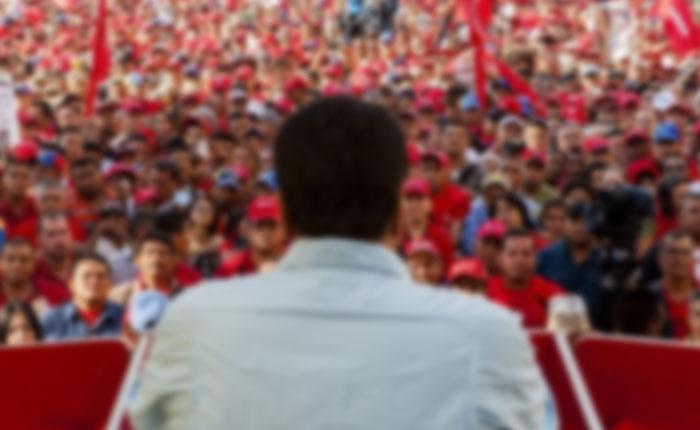Nicolás Maduro está siendo apartado del mando por los cuadros más duros, por Federico Gaon