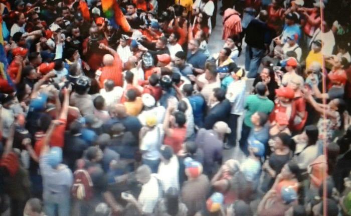 Grupos armados robaron a periodistas en la Asamblea Nacional