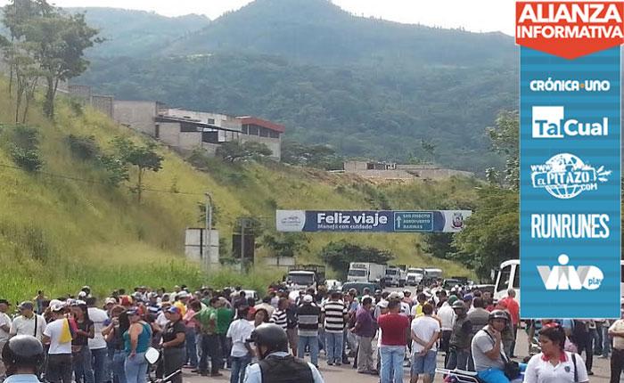 Oposición cierra Troncal 5 en Táchira exigiendo restitución de derechos electorales