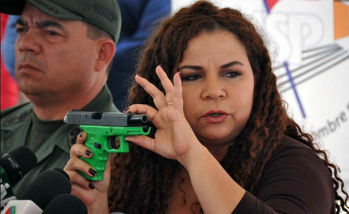 La irresponsabilidad de Iris Varela, por Carlos Nieto Palma