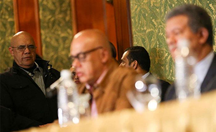 Gobierno hizo cuatro propuestas para que la MUD regrese a la mesa